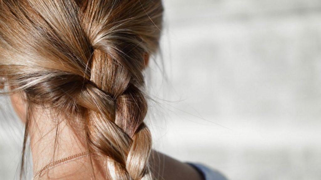 trenzas bonitas con el pelo suelto